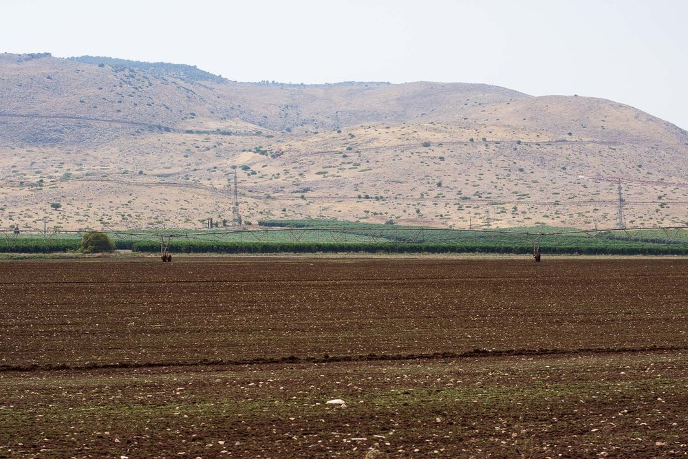 Park Emek Ha-Maayanot, springs valley, Gilboa mountain, fields, irrigated field