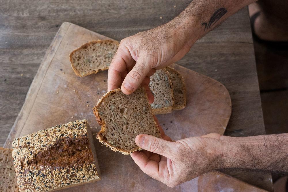 Roman Giler, Ovdey Adama, bakery, sourdough, Beit Hashita, bread, fresh loaf, bread slice