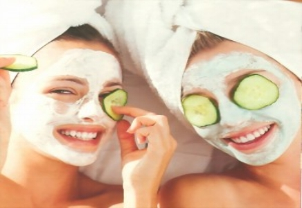 Teen Facial   Teen Facial  Our signature teen facial includes deep pore cleansing, extractions, exfoliation and a treatment mask. Therapeutic massage is incorporated into the treatment. Start teens with a good skincare regimen that will lead them into healthier skincare habits for the rest of their lives.