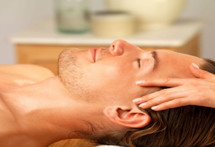 Men's Facial   Our signature facial designed for men begins with a thorough skin analysis followed by a deep cleansing, exfoliation, steam, extractions (if requested) and mask. Therapeutic massage is incorporated into the treatment.