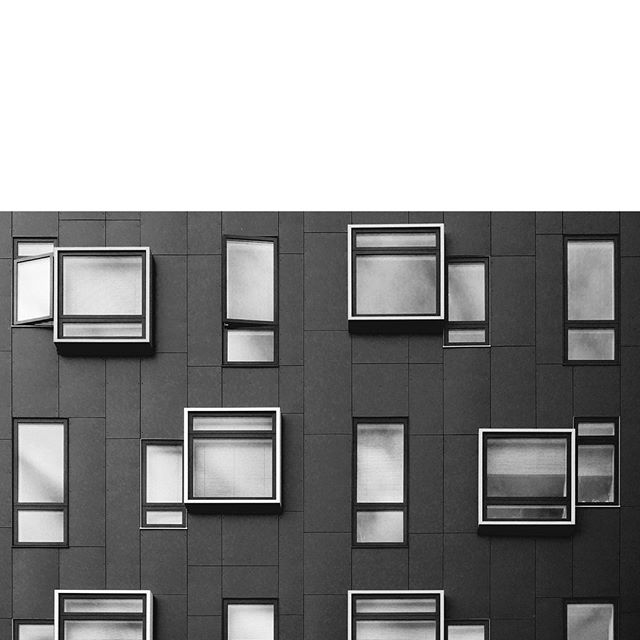 ~ sight seeing ~ . . . . . . #windowdesign #blackandwhitephotography #blackandwhite #architectureporn #architexture #windowview #windows_aroundtheworld #butnotsurewherethisoneis #randomwwindows #windowotoworklife