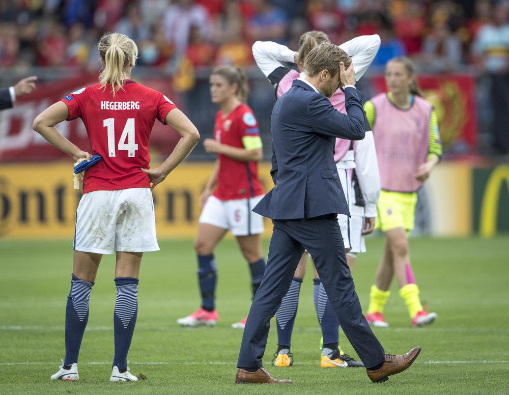 Den norske landstræner, Martin Sjögren, er under et gevaldigt pres efter den meget skuffende norske præstation ved EM i Holland. Foto: Trond Tandberg/Getty Images