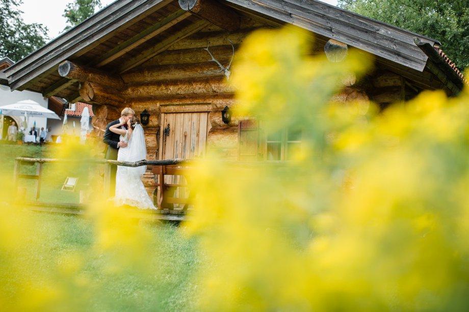 Hochzeitsfotos-auf-Insel-Wörth-im-Schliersee_0200.jpg