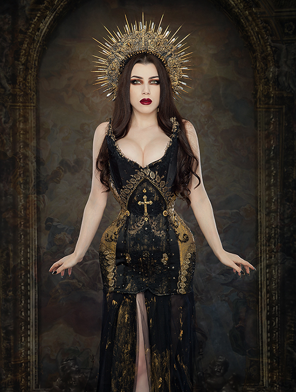 Photographer: Iberian Black Arts  Model: Threnody In Velvet  Headpiece: Hysteria Machine