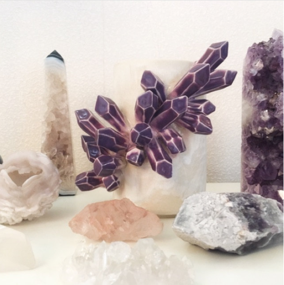 ⭐️⭐️⭐️⭐️⭐️ - So beautiful!! The vase is a gorgeous functional piece of art. It fits right in with my rock and mineral collections. The owner is very helpful and friendly and I received the piece 2 days after purchase.-Kelley B.