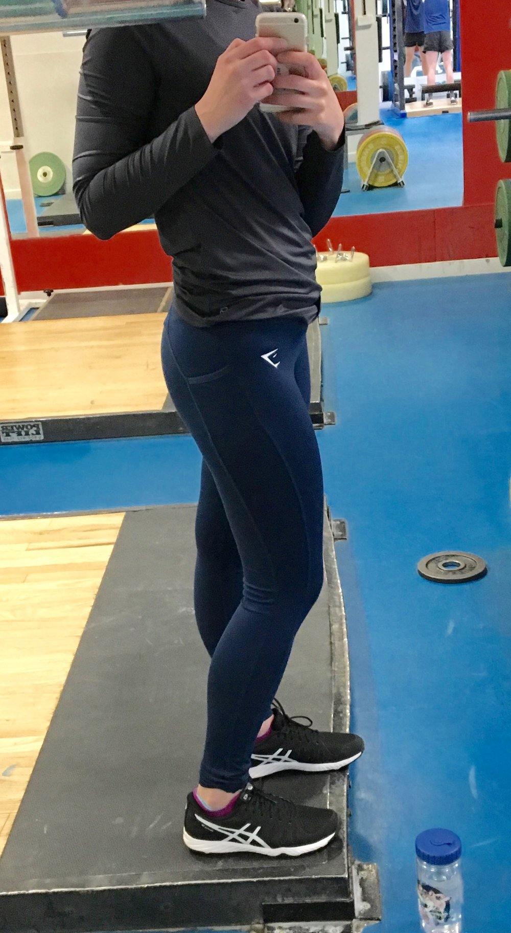 Gymshark Dry-Sculpt Leggings with pockets & Asics Gel-Nitrofuze sneaks