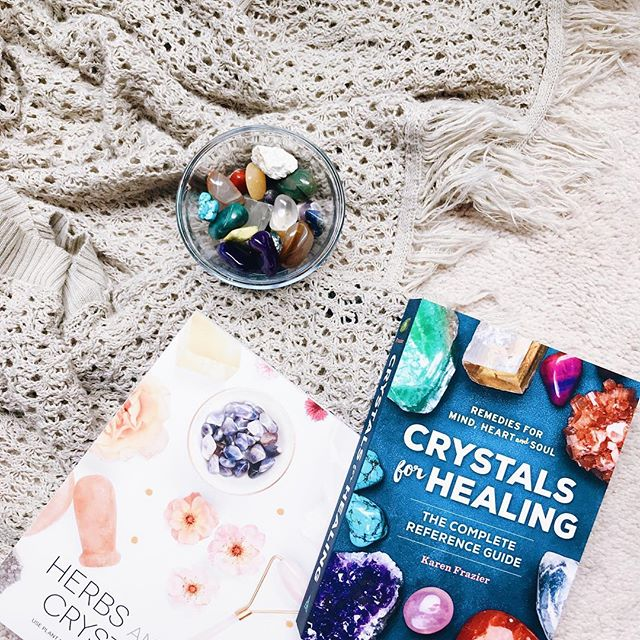 My friend @kytothebay sent me these two books about crystals before we moved and I'm finally taking the time to go through them. Next week is a full moon so I plan to set out the crystals I have then to recharge or cleanse or whatever it's called. Because let's be real. I have no idea what I'm talking about 🙈