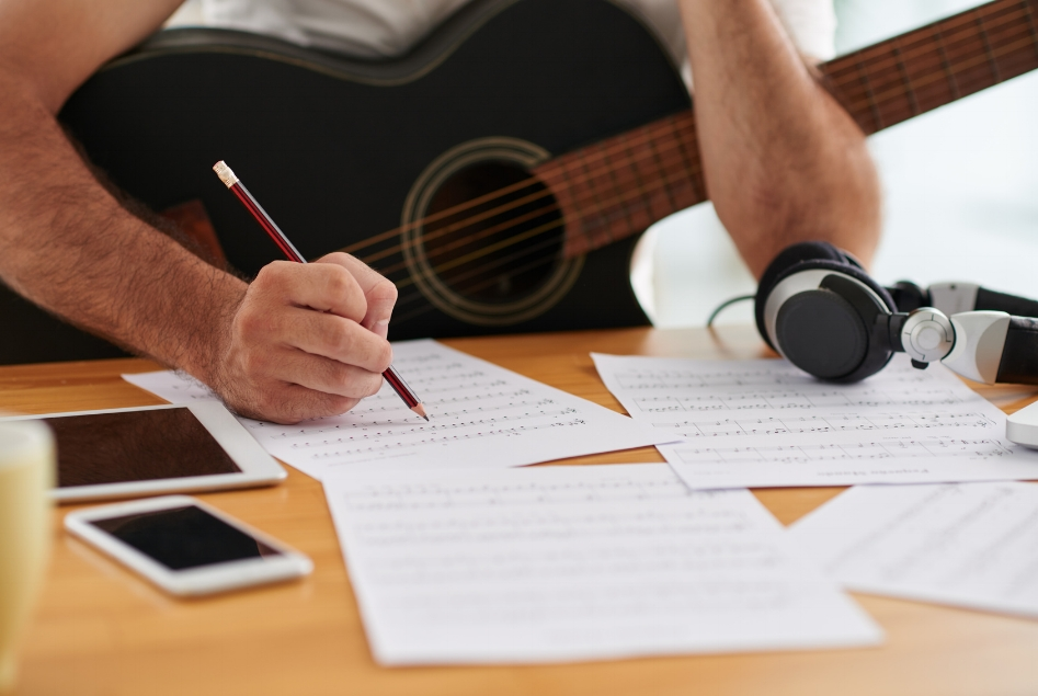 LEARNING THE BASICS? WRITING FOR HITS? OUR COACHES WILL SHOW YOU THE WAY...