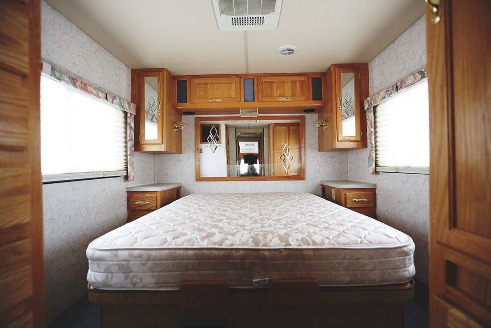 Serenica Landship: Bedroom