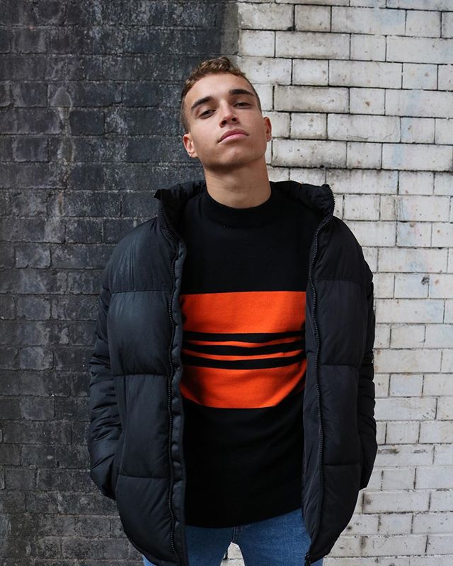 BLOCK STRIPE CREW AW18 • • • • • Model: @reiss.harrison