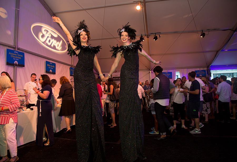 NTUWS 2015 stilt walkers NewTaste-BestoftheWest-StiltWalkers-0508-1.jpg