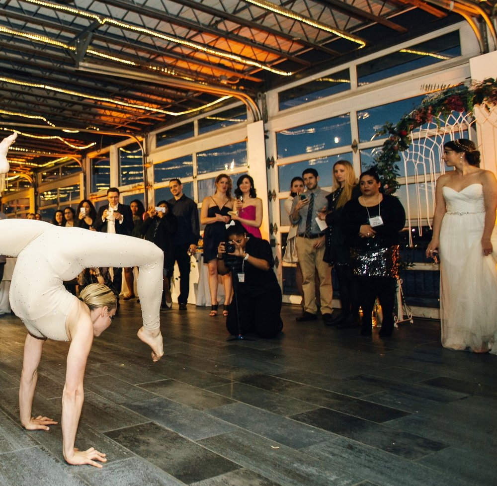 Hand Balancer Contortion Olga with Bride big fake weddingOLLISTUDIO_0659AFTER copy.JPG