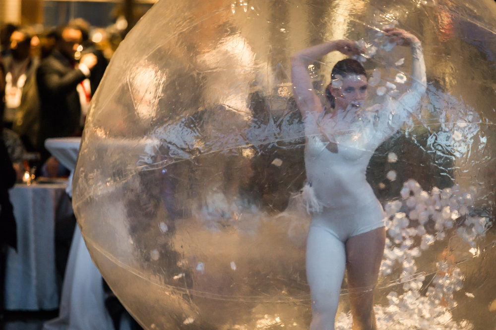 Cirque Central Living Snow Globe Acrobat Winter Wonderland