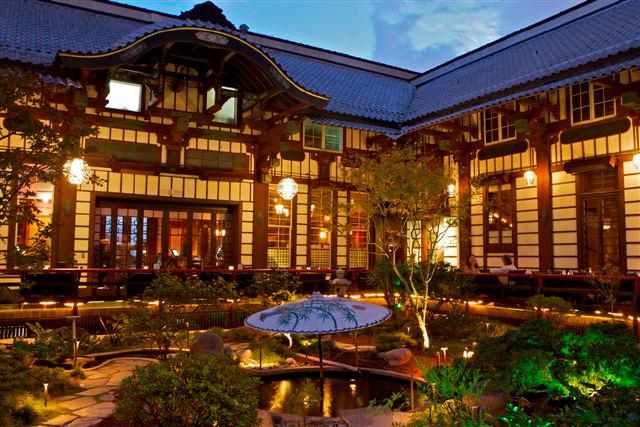 Yamashiro courtyard.jpg