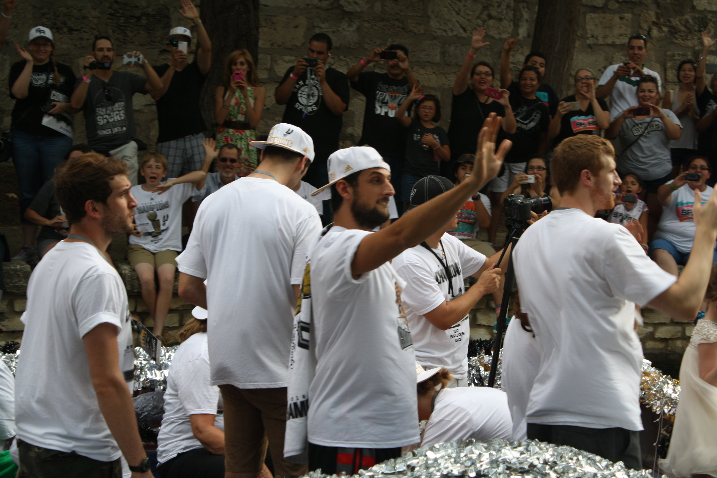 marco belinelli river parade