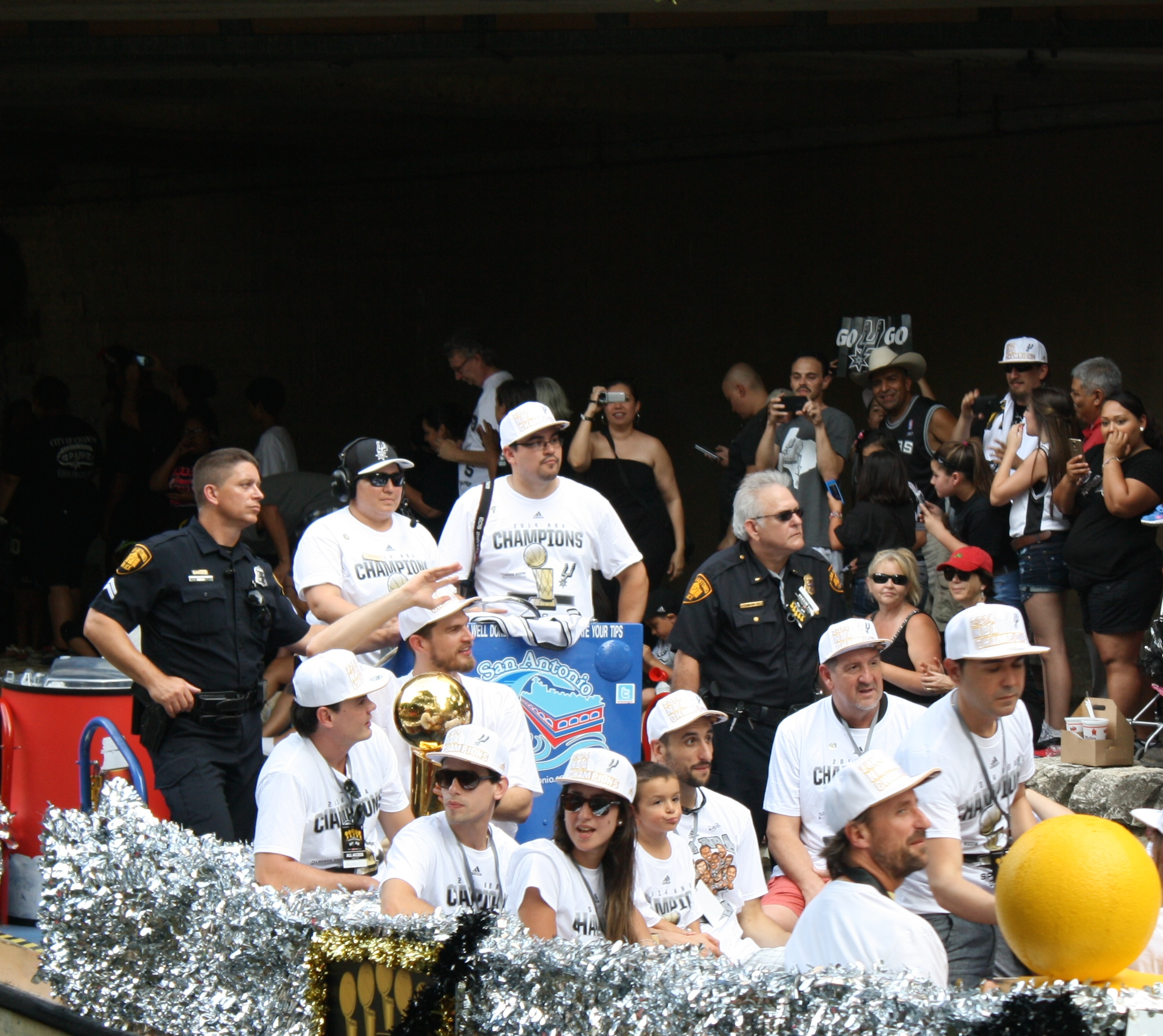 tiago splitter and manu ginobili river parade