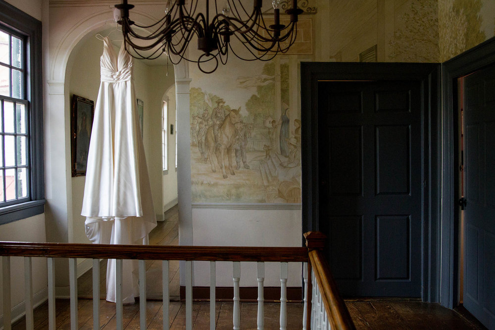 RVA-Wedding-at-Hanover-Tavern-By-Hunter-Henkel-Photography-002.jpg