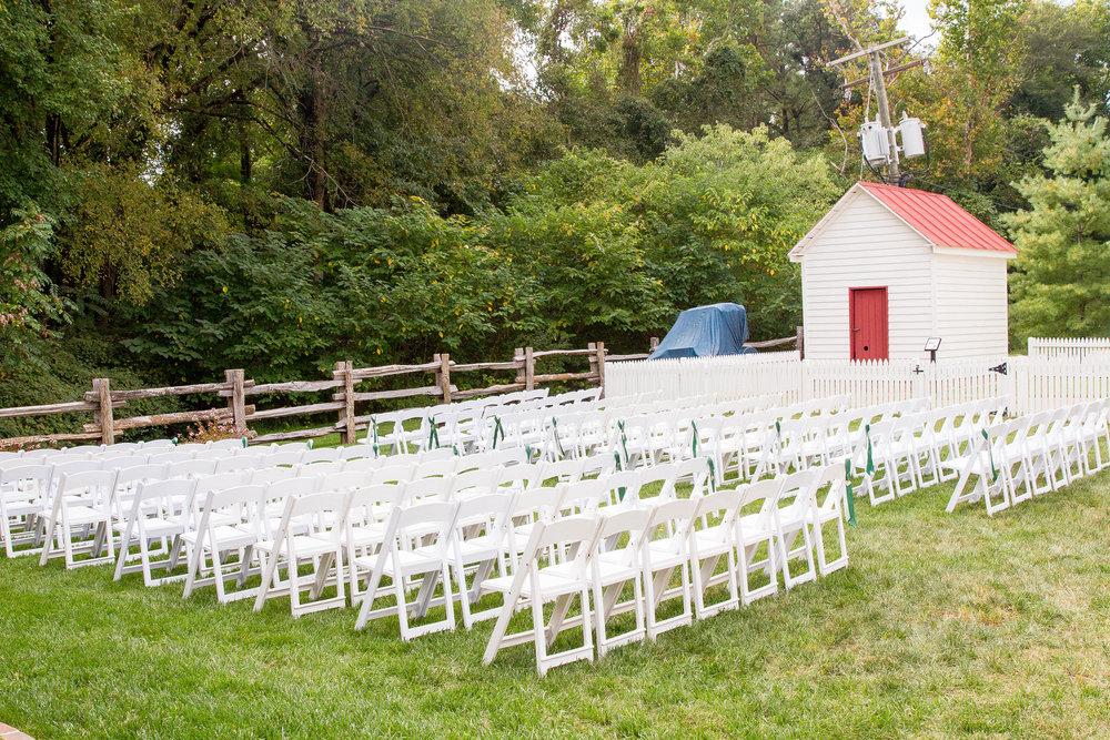 RVA-Wedding-at-Hanover-Tavern-By-Hunter-Henkel-Photography-016.jpg