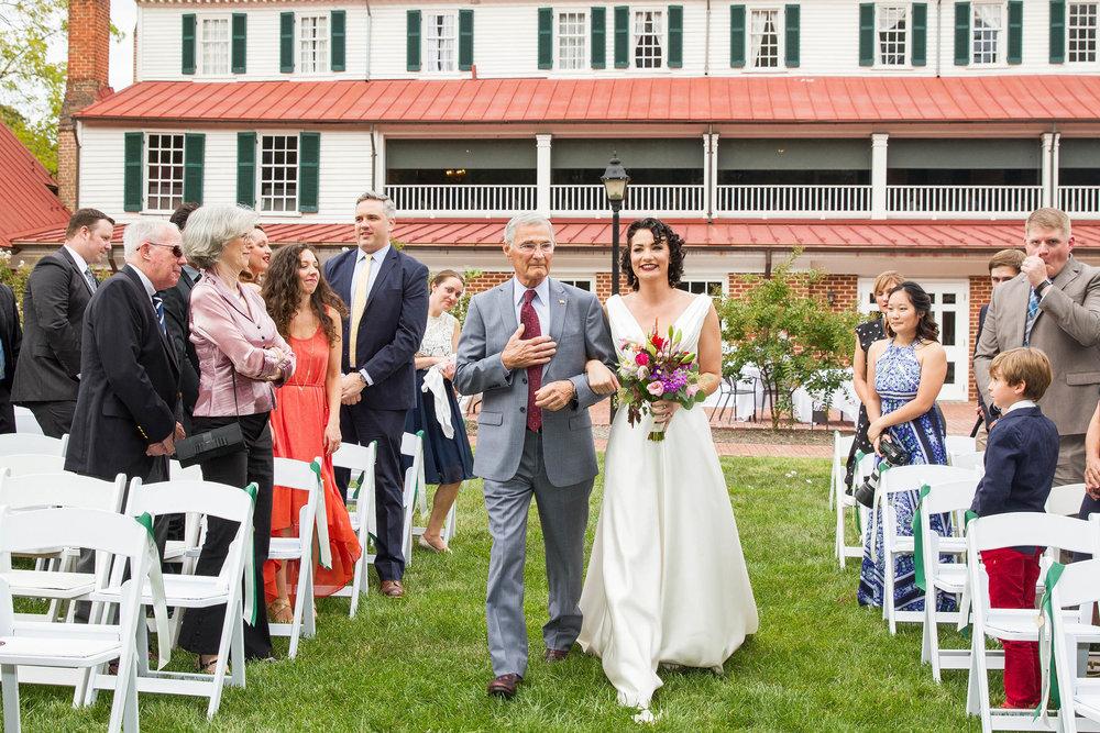 RVA-Wedding-at-Hanover-Tavern-By-Hunter-Henkel-Photography-021.jpg