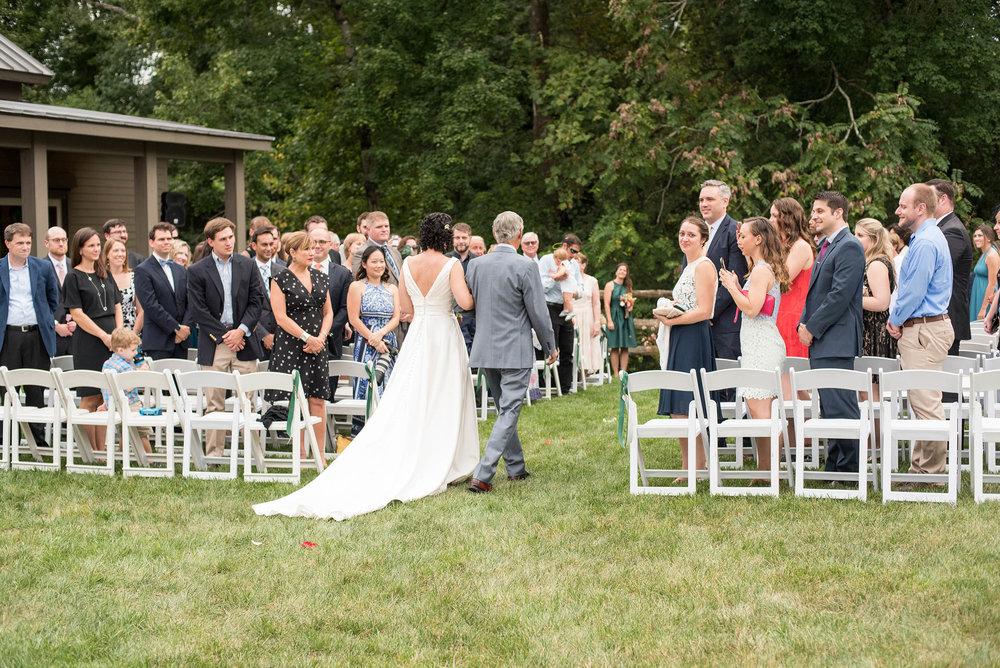 RVA-Wedding-at-Hanover-Tavern-By-Hunter-Henkel-Photography-020.jpg