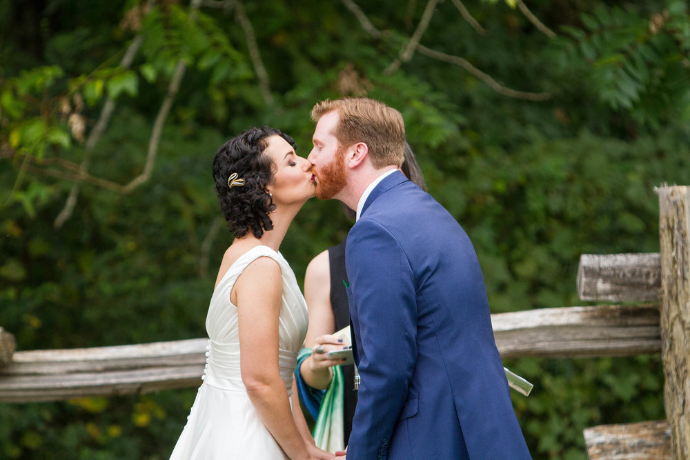 RVA-Wedding-at-Hanover-Tavern-By-Hunter-Henkel-Photography-026.jpg