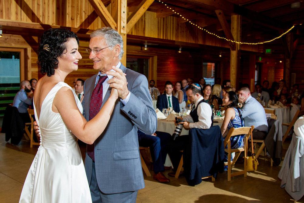 RVA-Wedding-at-Hanover-Tavern-By-Hunter-Henkel-Photography-047.jpg