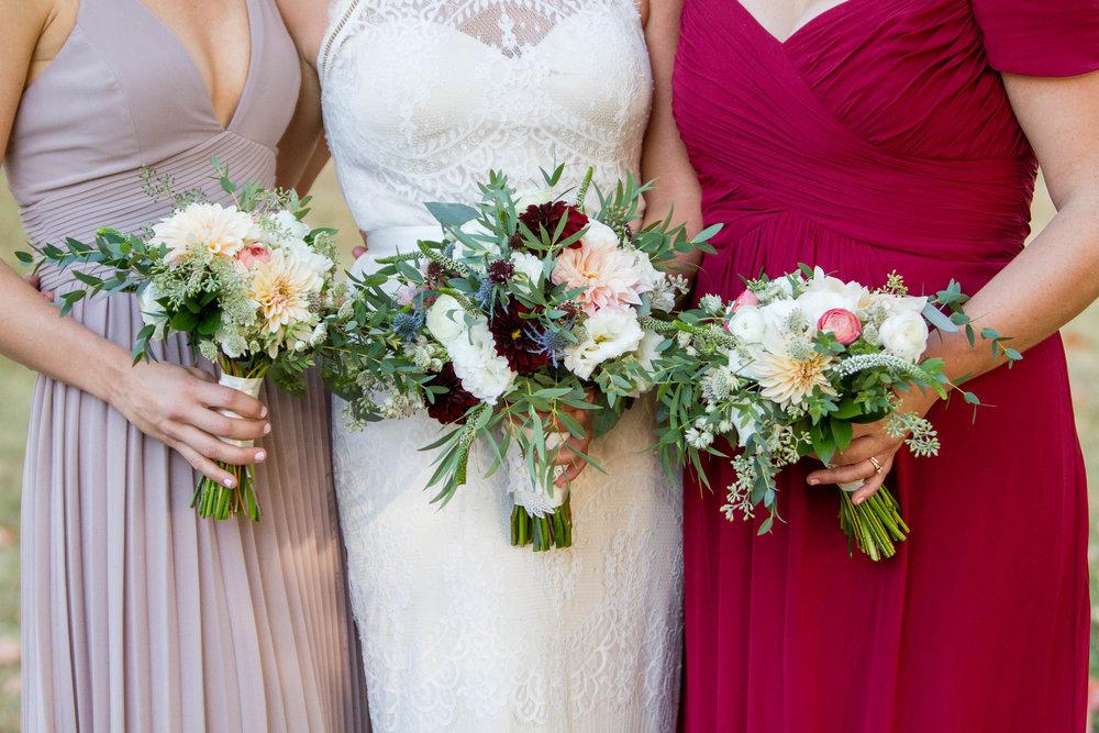 21-0207-Strawberry-Fields-Flowers-Wedding-By-Hunter-Henkel-Photography.jpg