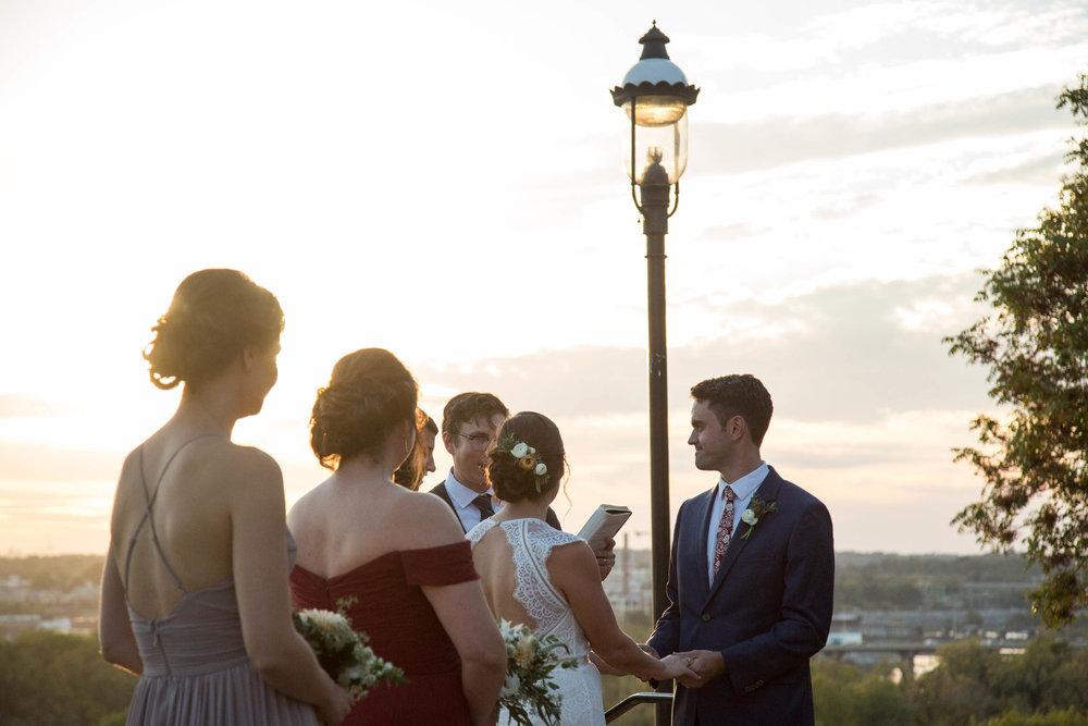 35-0315-Libby-Hill-Park-Wedding-By-Hunter-Henkel-Photography.jpg