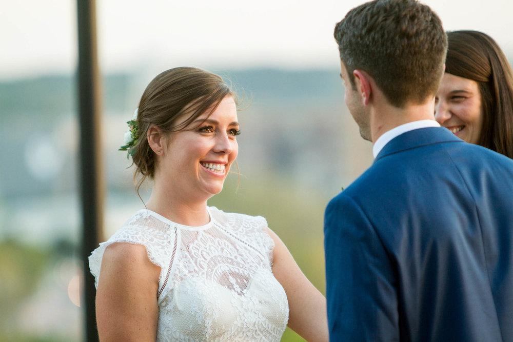 39-0366-Libby-Hill-Park-Wedding-By-Hunter-Henkel-Photography.jpg