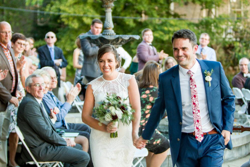 43-0371-Libby-Hill-Park-Wedding-By-Hunter-Henkel-Photography.jpg