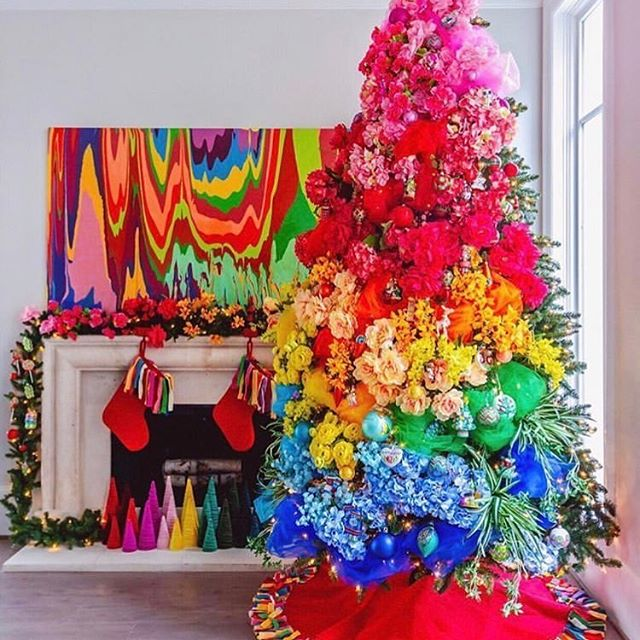May your day be Merry and Bright. 📸via @goldno.8 #merrychristmas #happyholidays #celebrate