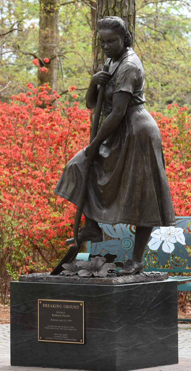 WPA Statue Norfolk Botanical Garden.png