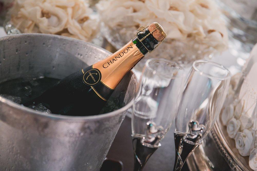 champagne-1196112.jpg