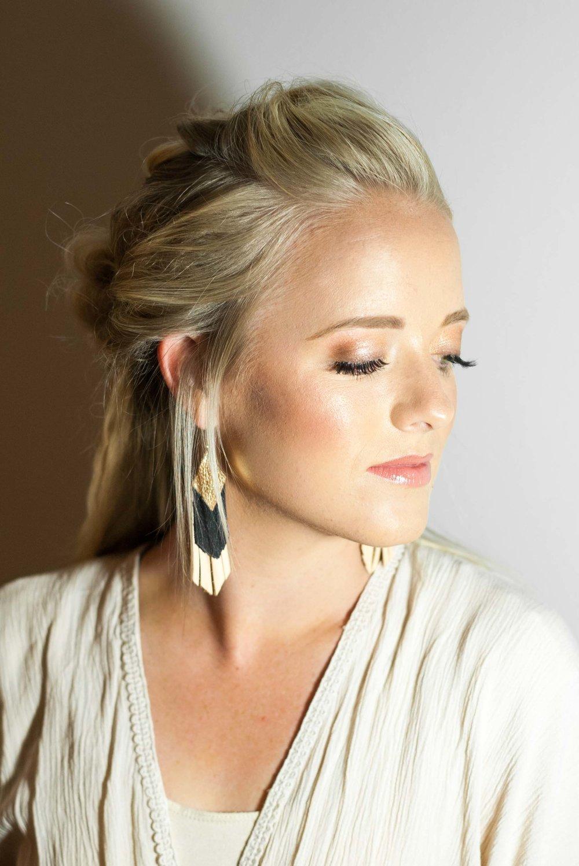 Talia-Whatcott-Makeup-Hair-Artist-Utah-County-Wedding-soft-natural-blonde-freelance-onsite-portfolio-2-12.jpg