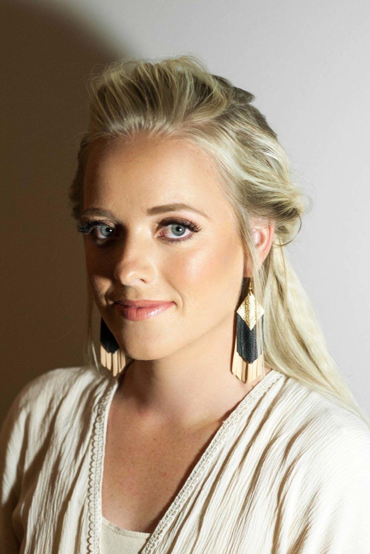 Talia-Whatcott-Makeup-Hair-Artist-Utah-County-Wedding-soft-natural-blonde-freelance-onsite-portfolio-2-13.jpg