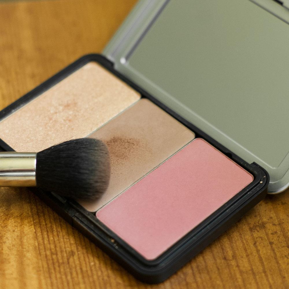 Talia-Whatcott-Makeup-Hair-Artist-Utah-County-makeup-for-ever-artist-face-color-palette-review6.jpg