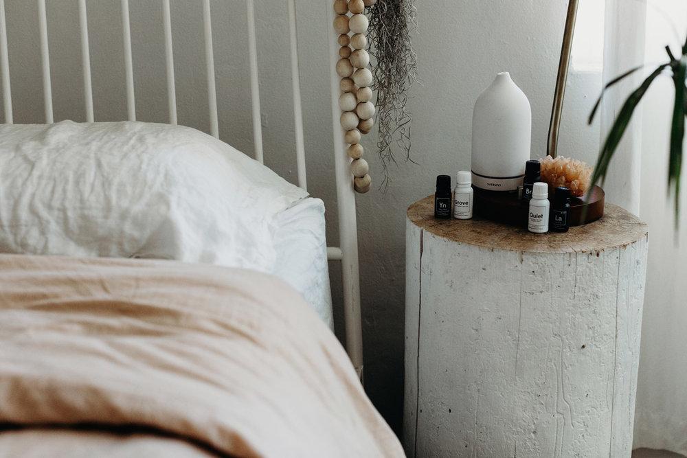 002-diffuser--vitruvi--essential-oils--lifestyle-blog--interior-design--prodcut-stylist.jpg