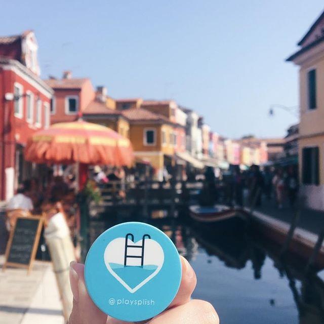 #TravelTuesday goals in Burano, Italy 😍 #SplishAroundtheWorld . . . . . #playsplish #visitveneto #visititaly #visititalia #travelitaly