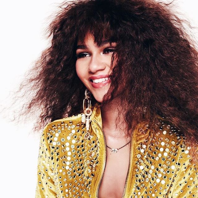 Our #wcw is Zendaya since we can't wait to see her in 'The Greatest Showman' 😍 . . . . . #playsplish #zendaya #thegreatestshowman #zacefron #womancrush #instylemagazine