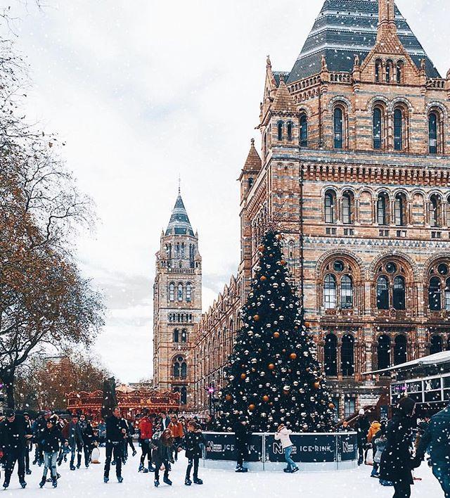 December dreams 😍 #playsplish . . . . . #visitlondon #traveluk #travellondon #visituk #visitbritain #traveleurope