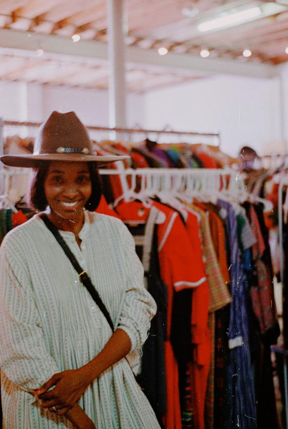 Seventh Row Vintage Laissez Fair