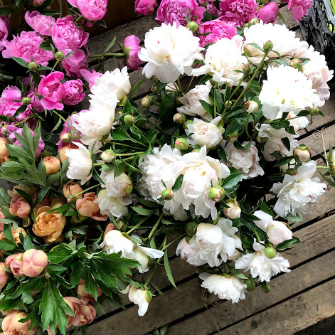 MOTHER'S DAY WORKSHOPS! - Bring your mom or loved one out to the farm to spend quality time creating a beautiful fresh arrangement of our flowers or a flower crown!