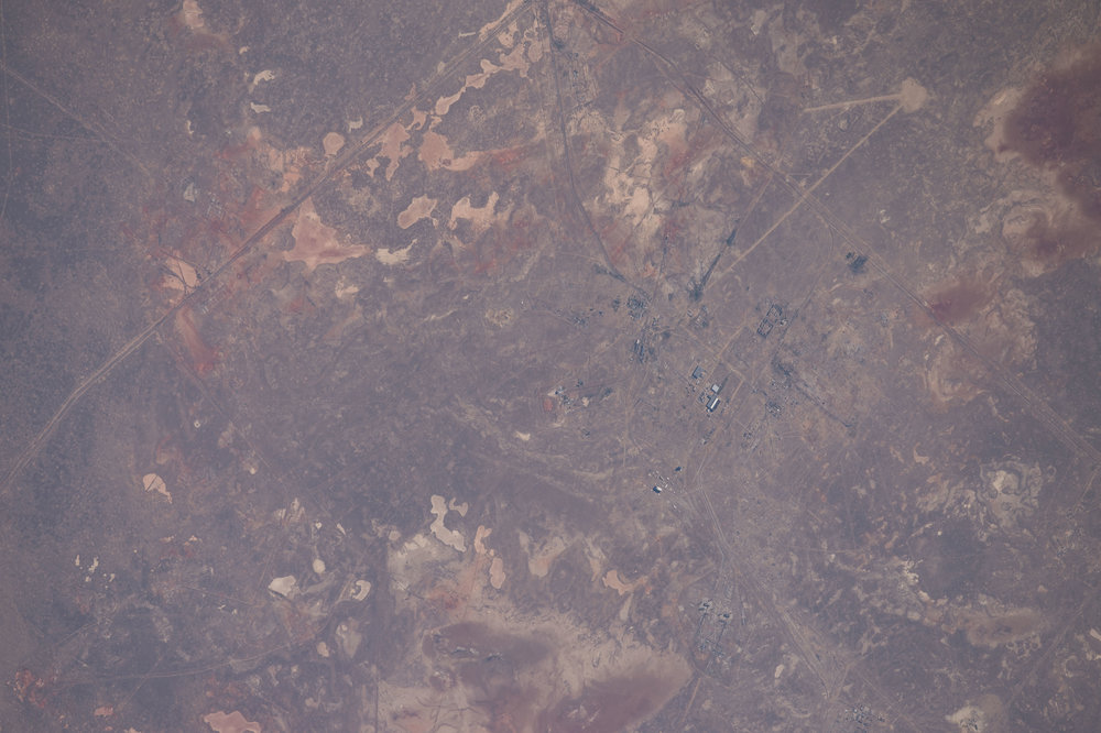 Source Image: NASA ISS048-E-12857 Handheld from International Space Station Focal Length: 800mm