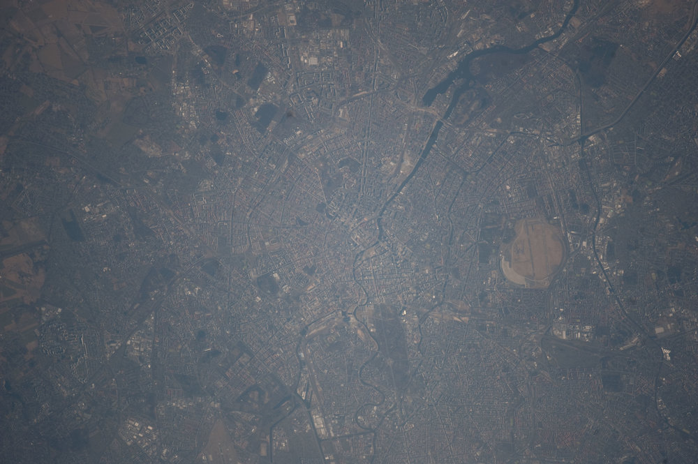 Source Image: NASA ISS030-E-266745 Handheld from International Space Station Focal Length: 800mm