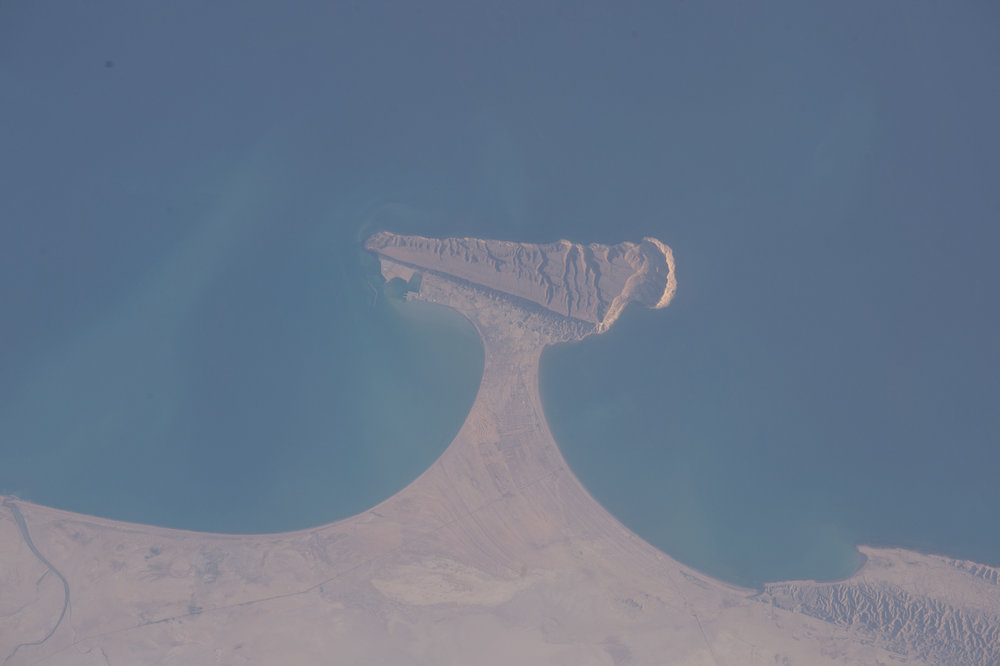 Source Image: NASA ISS046-E-49708 Handheld from International Space Station Focal Length: 400mm