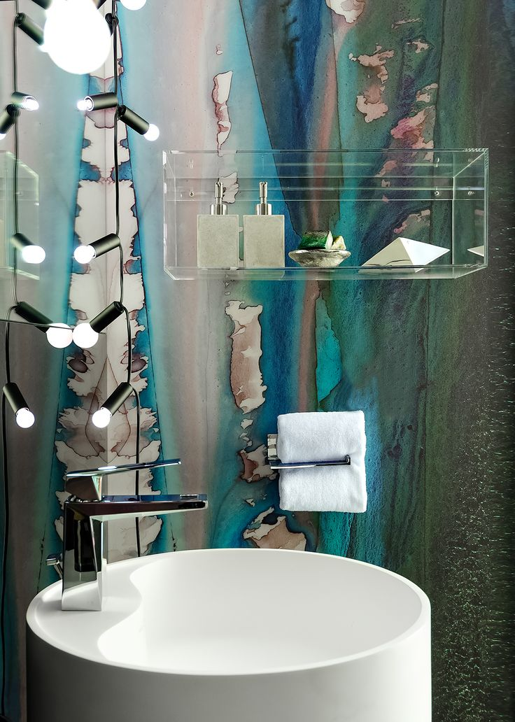 TEAL & BLACK DRIPS Designer: PROjECT Interiors