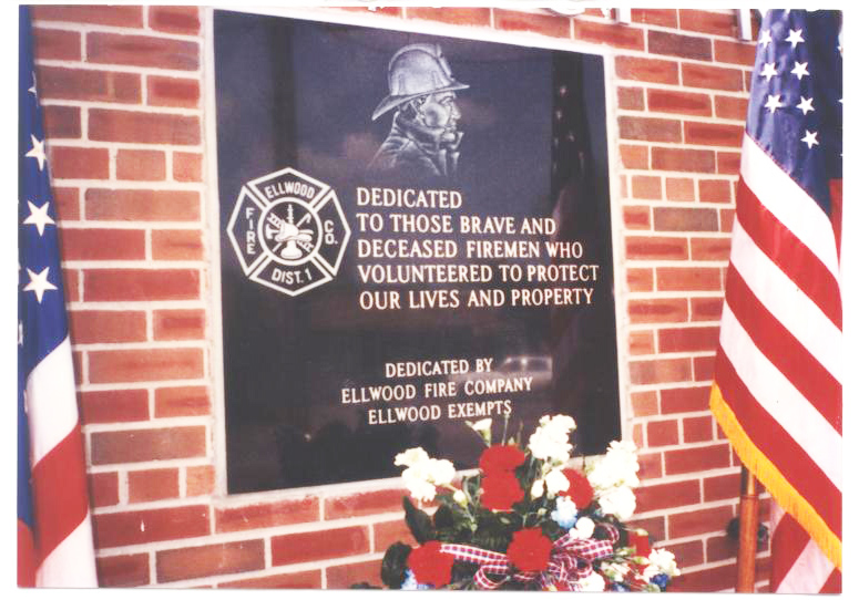Ellwood_memorial_plaque2.jpg