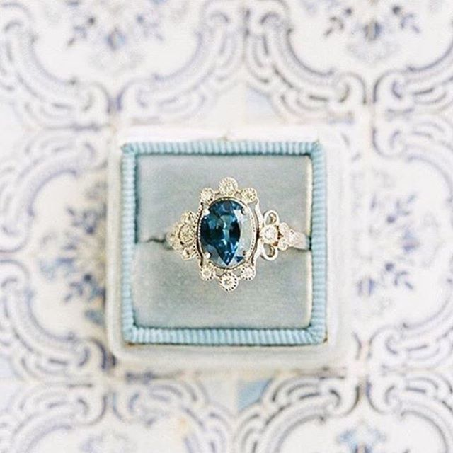 Forever YES to this #ring 😱#Repost @the_weddingdiary