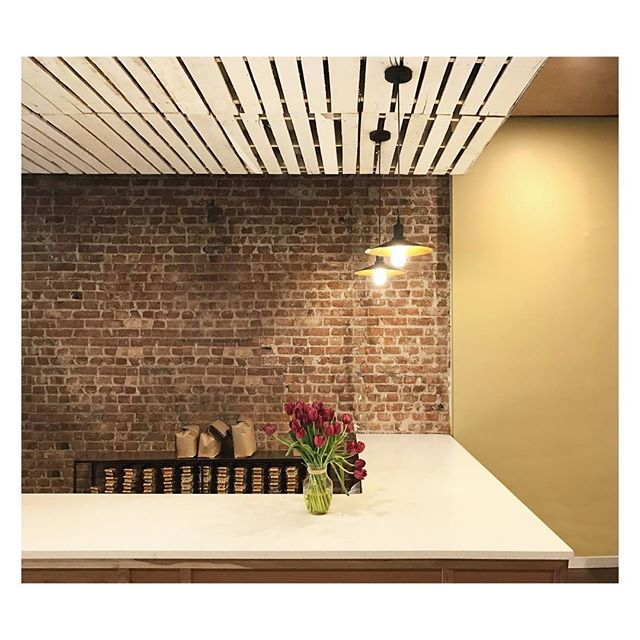 completed winter 2016 -- @uptownroasters #brooklyn ▫️ check them out, it's a great work from home spot! and good ☕️ too, if you're into that kinda thing #designscoffeeshops #doesntdrinkcoffee ▫️ built by @lambocad . . . . . . . #construction #designbuild #interiors #interiorarchitecture #gutreno #newyorkcity #architect #nycarchitect #interiordesign #renovation #coffeeshop #coffee #restaurantdesign #hospitalitydesign #design #realestate #nycrealestate #nycdesign #brooklyn #parkslope #brick #quartz #workfromhome #brooklyncafe #cafe #cafedesign