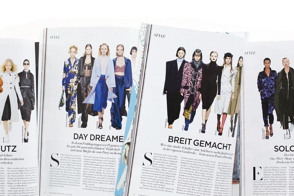 """Mit extremen Schultern wie diesen hat man den Bürolift für sich allein. - Aus der Stilkolumne """"Style Know-How"""",Serie in Harper's Bazaar"""